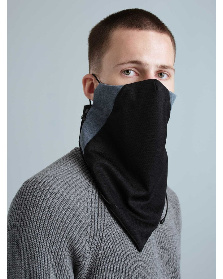 Neck warmer with filter